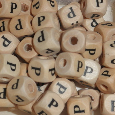 Houten letterkraal P